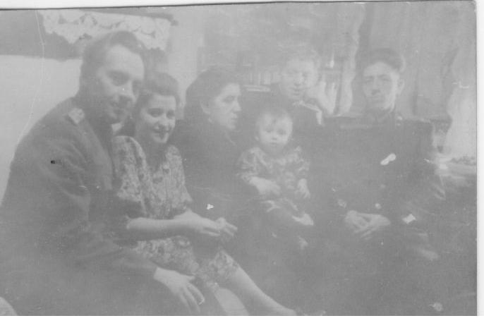 семья Вознесенских Монино 1949 г